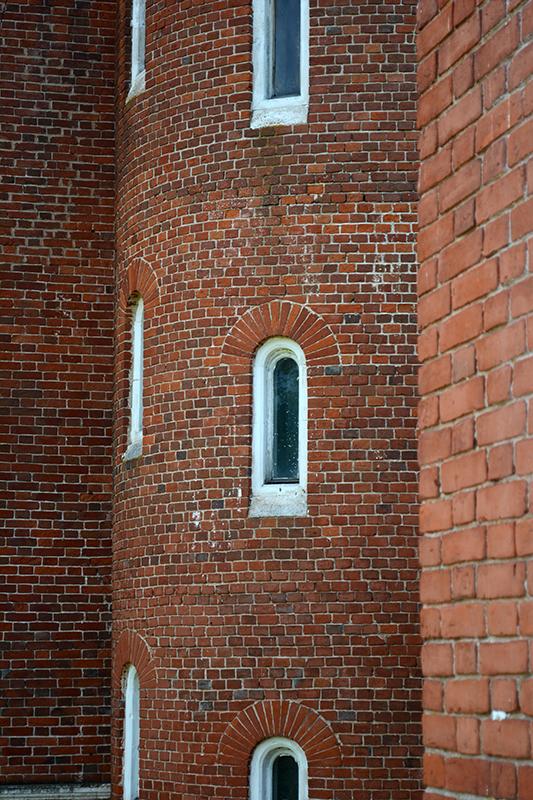 окна винтовой лестницы