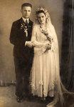 Это мои бабушка и дедушка. Свадьба после Великой отечественной войны. 40-е годы прошлого столетия.