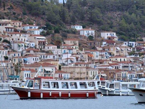 Дома, лодки и окна