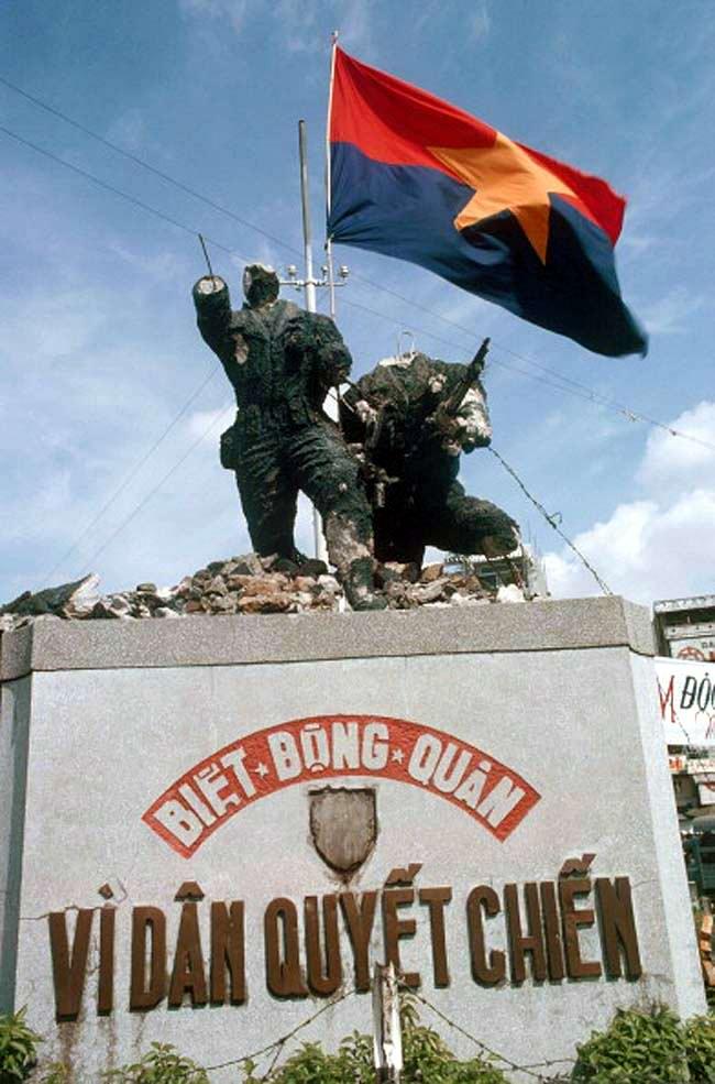 Освобождение Сайгона: как это было! К 40-летию со Дня Победы Вьетнама (США) (52)