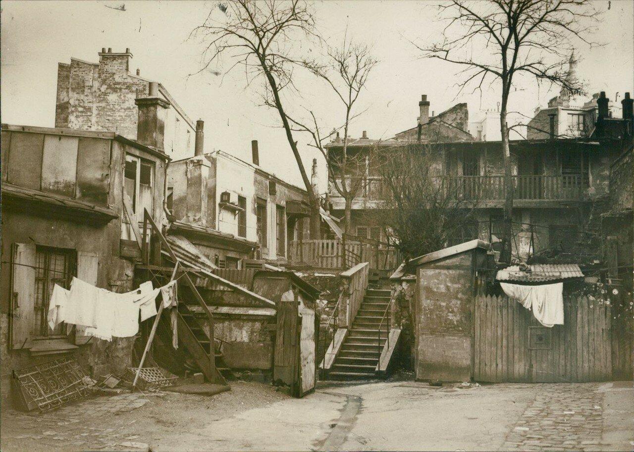 1935. Старый Монмартр. улица Абрёвуар.