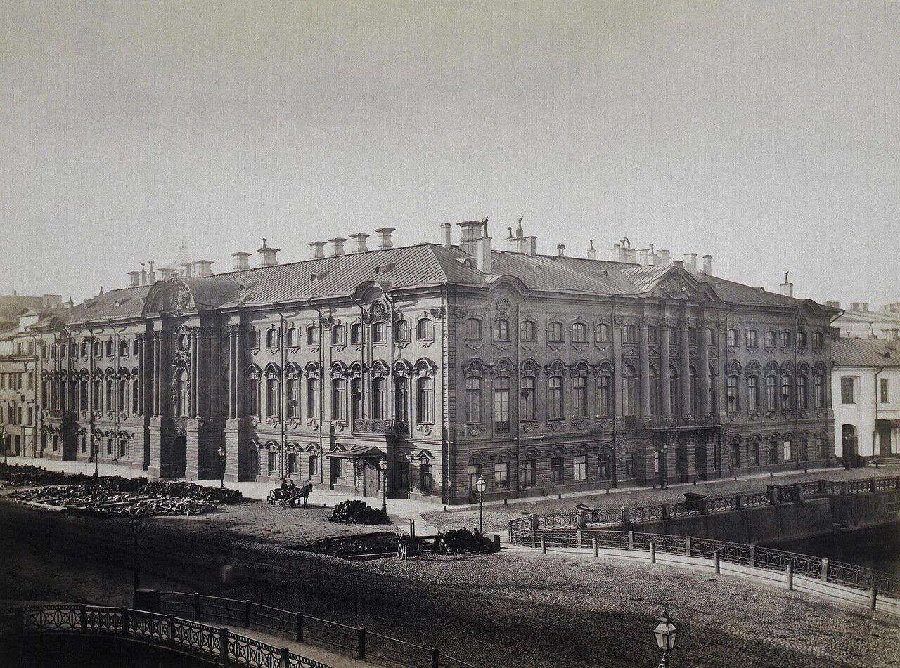 Фасад Строгановского дворца на Невском проспекте