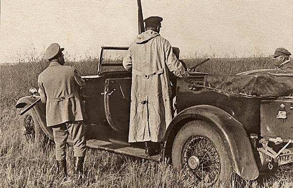 И.В. Сталин после охоты в Донских степях. 1933 г.