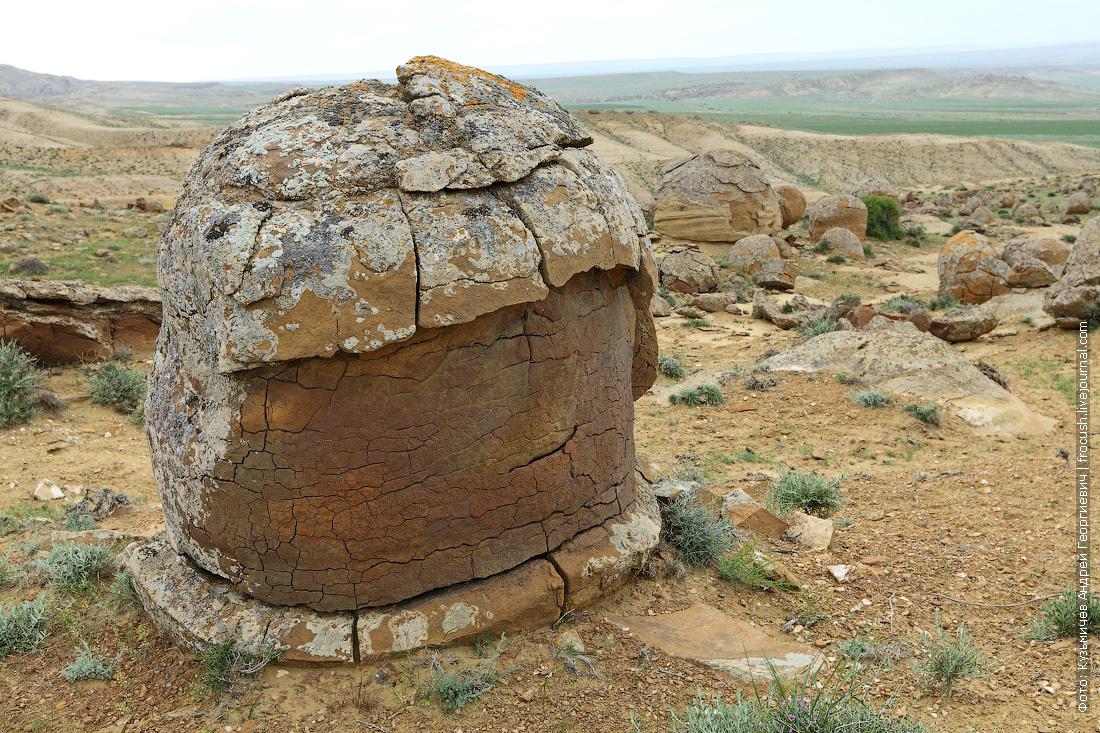 фотография каменные шары в долине Торыш