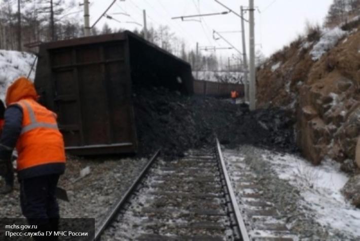 Из-за схода вагонов остановлено движение поездов наперегоне Артеушка— Пеньковая