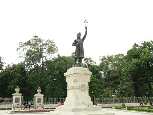 памятник штефану чел-маре