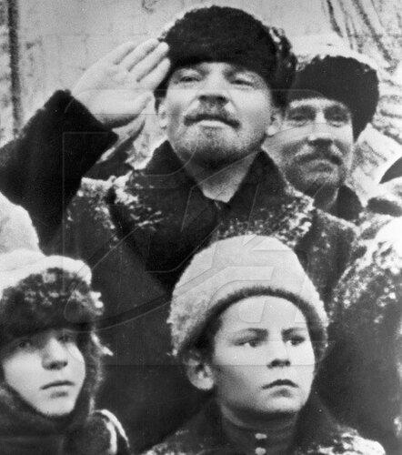 Ленин во время празднования II-ой годовщины Октябрьской с революции