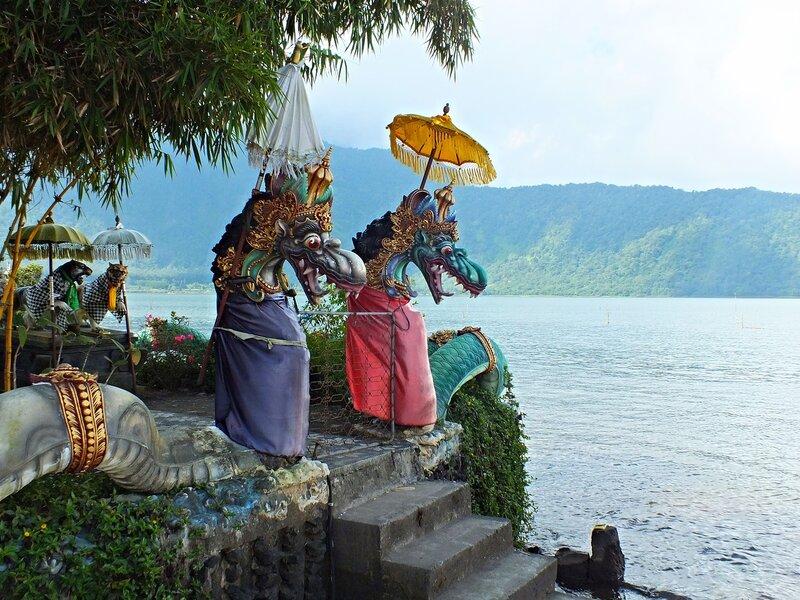 Храм Улун Дану (Ulun Danu Beratan)