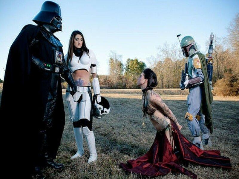 Фото сексуальных девушек в костюмах косплеях персонажей «Звездных войн»
