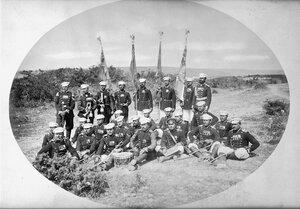 Знаменосците, тръбачите и барабанчиците на полковете в състава на 3-та Гвардейска пехотна дивизия, вероятно в лагера при Яръм-Бургас (днешен Кумбургас, Турция), 1878 г.