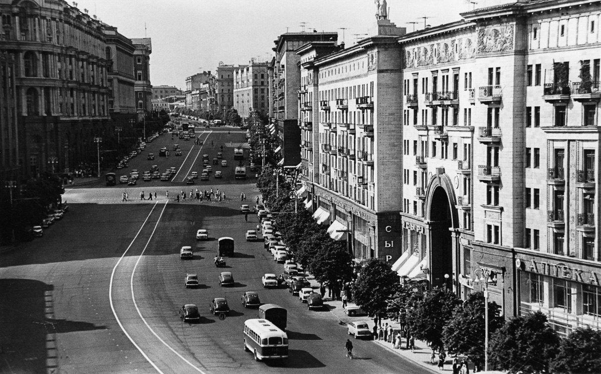 1950-е. Магазин «Сыр», Горького 4.
