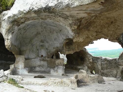 Эски-Кермен, храм Судилища