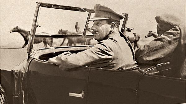 И.В. Сталин по пути на Кавказ. 1933 г.
