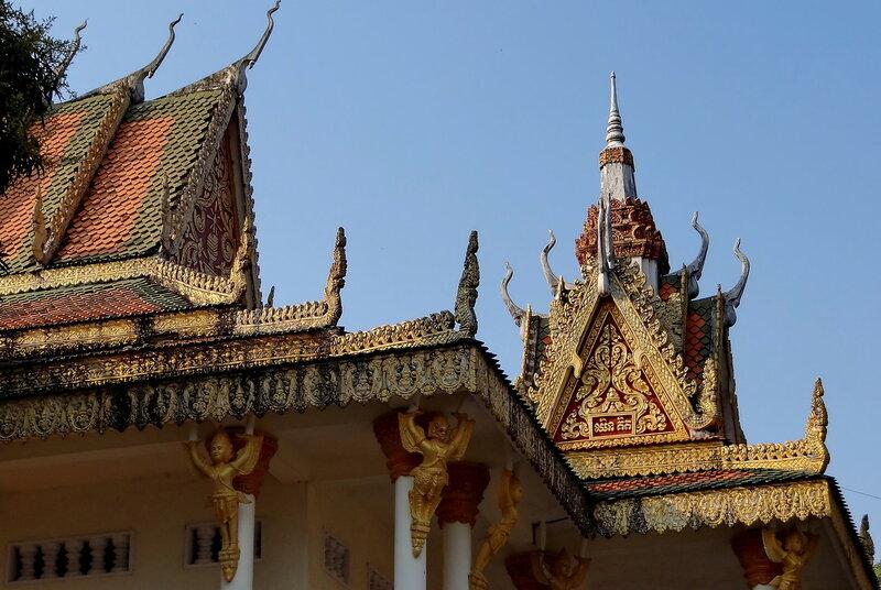 Крыши монастыря...