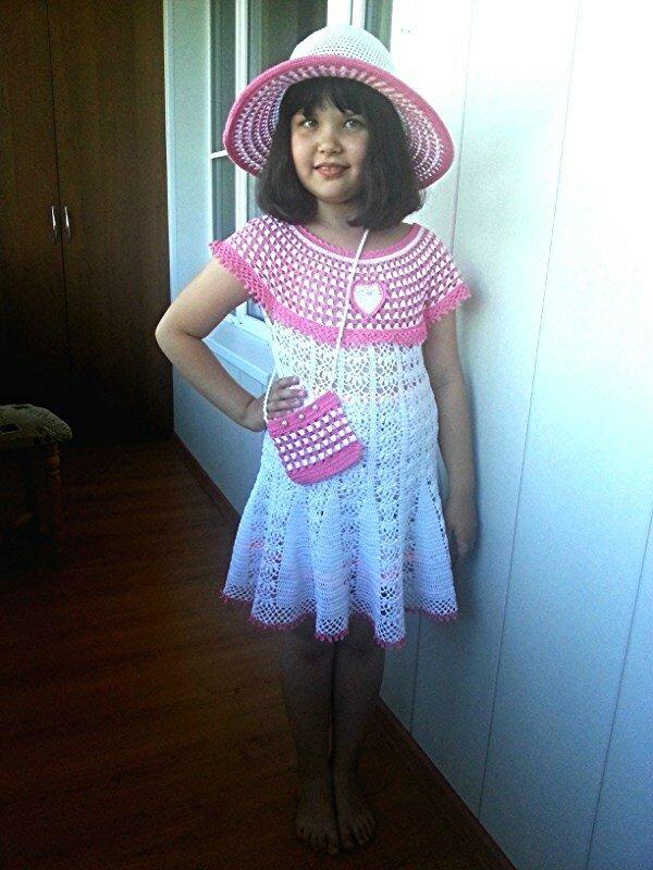 комплект: платье, шляпка, сумочка