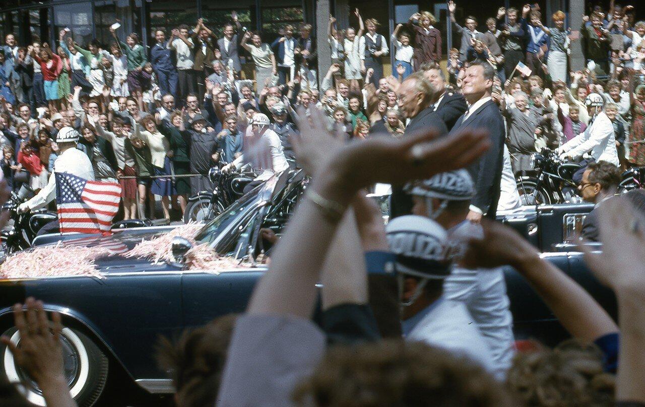 26 июня 1963. Джон Кеннеди, Конрад Аденауэр и и бургомистр Западного Берлина Вилли Брандт