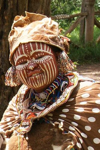 Пигмеи - жители африканских джунглей.
