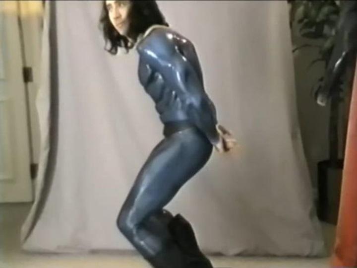 Длинноволосый Николасом Кейджем в роли Супермена (видео 1997 года)