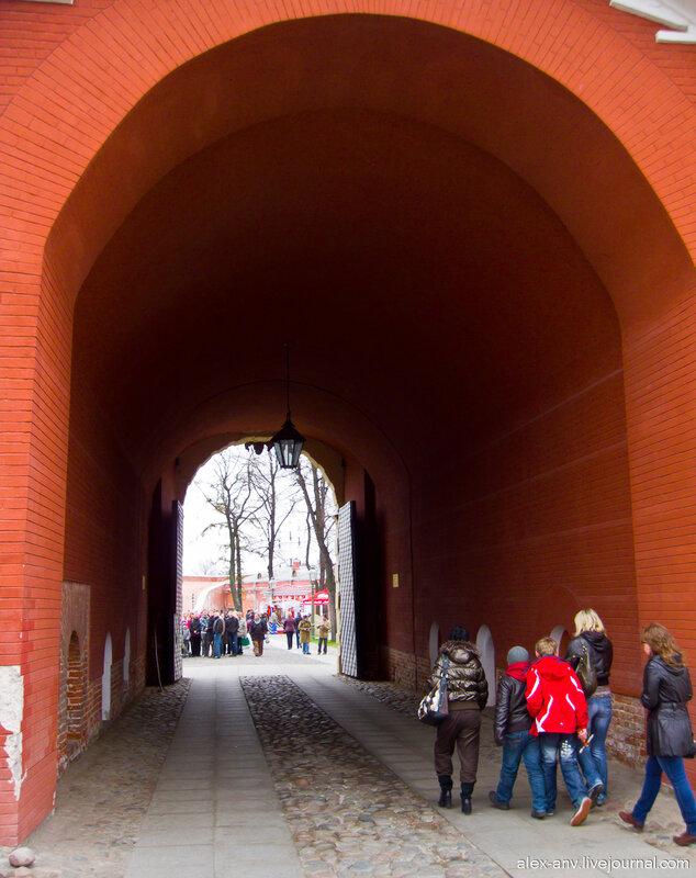 Петропавловская крепость. Петровские ворота, непарадный вид из крепости.