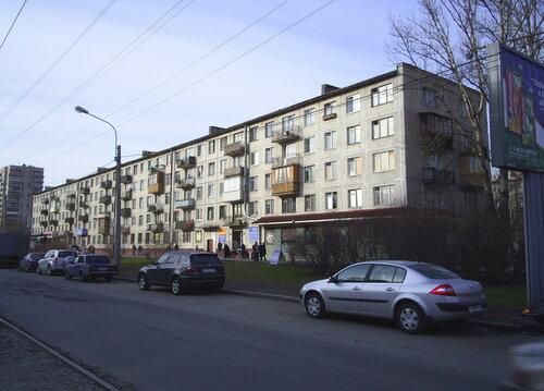 ул. Ленсовета 70