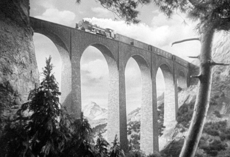 1938 - Леди исчезает (Альфред Хичкок).jpg