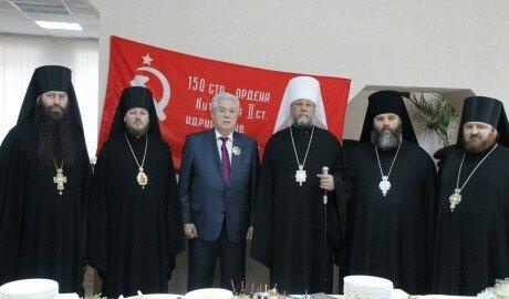 Митрополит наградил Воронина «Орденом Признательности»