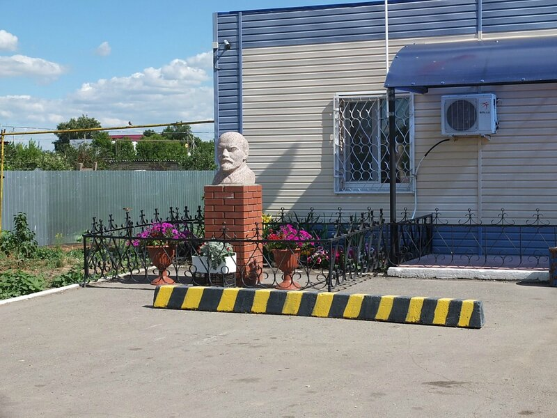 Хворостянка, Безенчук аэродром 391.JPG