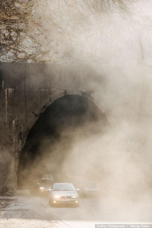 32. Проектирование тоннеля было выполнено специалистами институтов «Гидроспецпроект» и «Таджикг