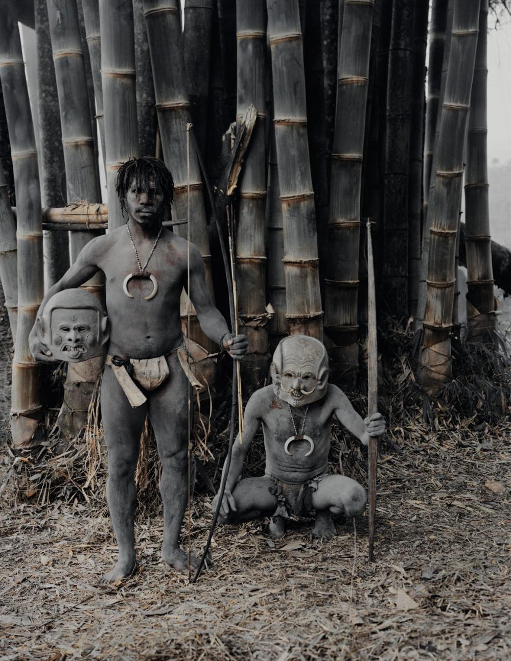 Маскиже соответствуют папуасскому представлению одухах: короткие или длинные уши, бивни, рога ирт