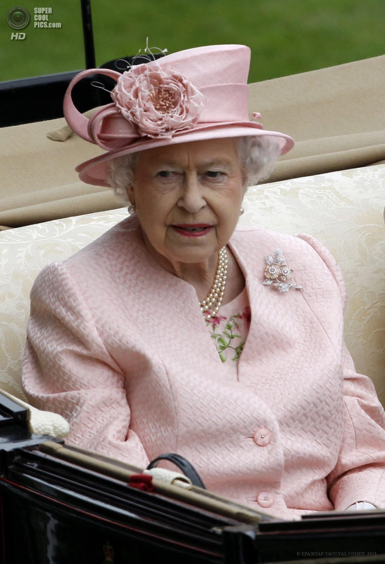 Открытие скачек Royal Ascot (18 фото)