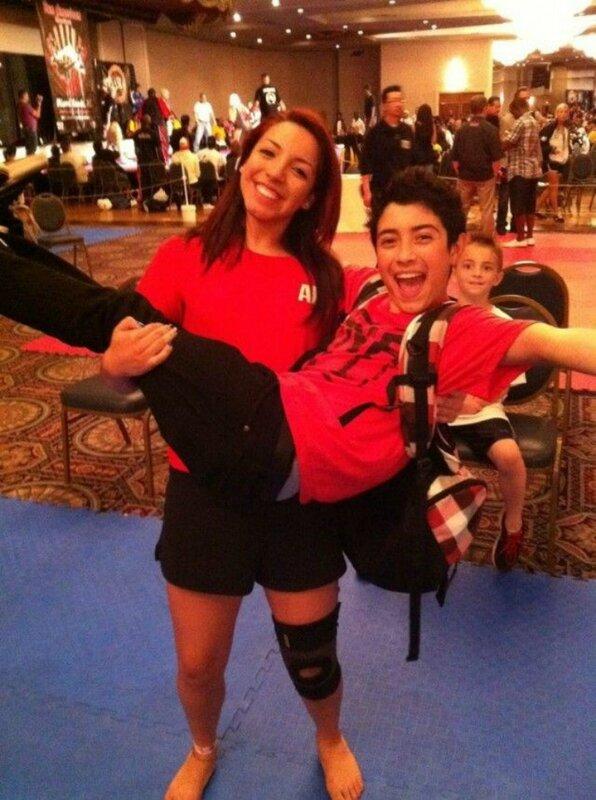 Девушка инструктор карате присылала интимные фото ребенку