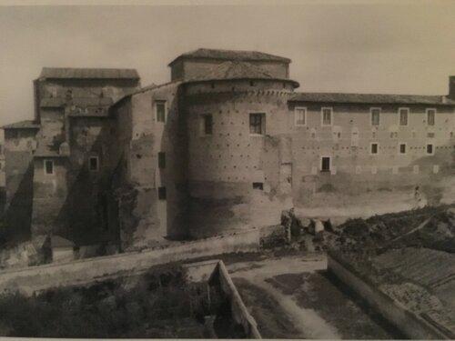 1. Фотография 1879 года до переноса угодий монастыря и начала застройки района.JPG
