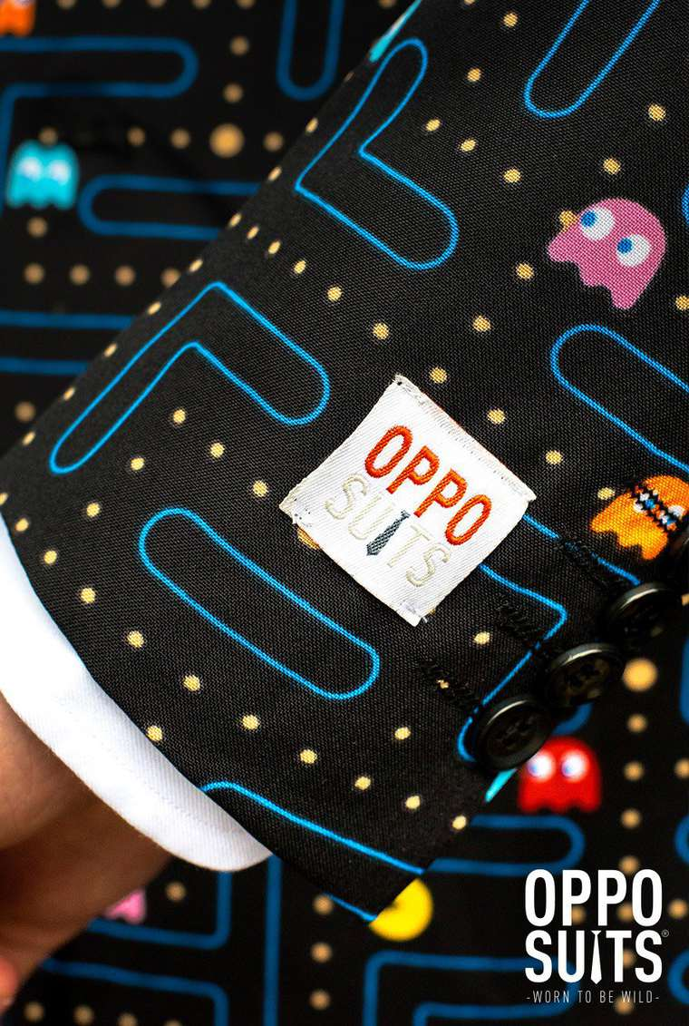 Pac-Man Suit - A tribute to retro-gaming