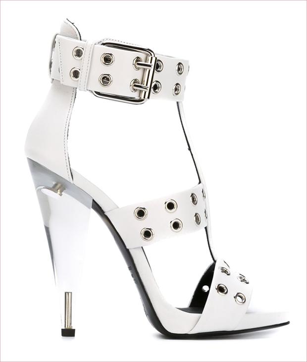 GIUSEPPE ZANOTTI DESIGN Eyelet studded sandals This white calf leather eyelet studded sandals from G