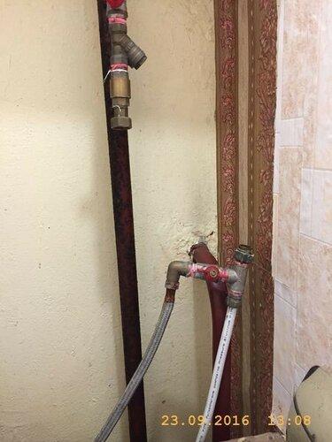 Разобрал водопровод для замены водомерного счётчика
