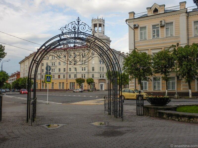 Входная арка в Сад Блонье, сад Блонье, Смоленск