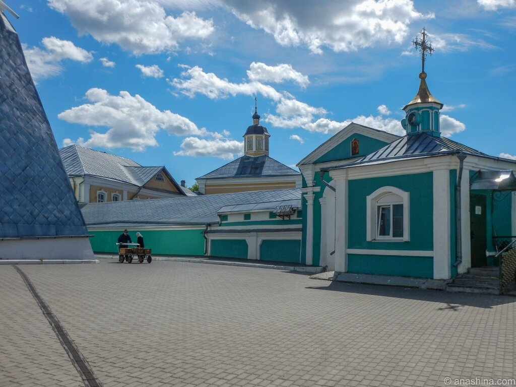 Надвратная часовня и здания Смоленского межъепархиального православного духовного училища, Смоленск