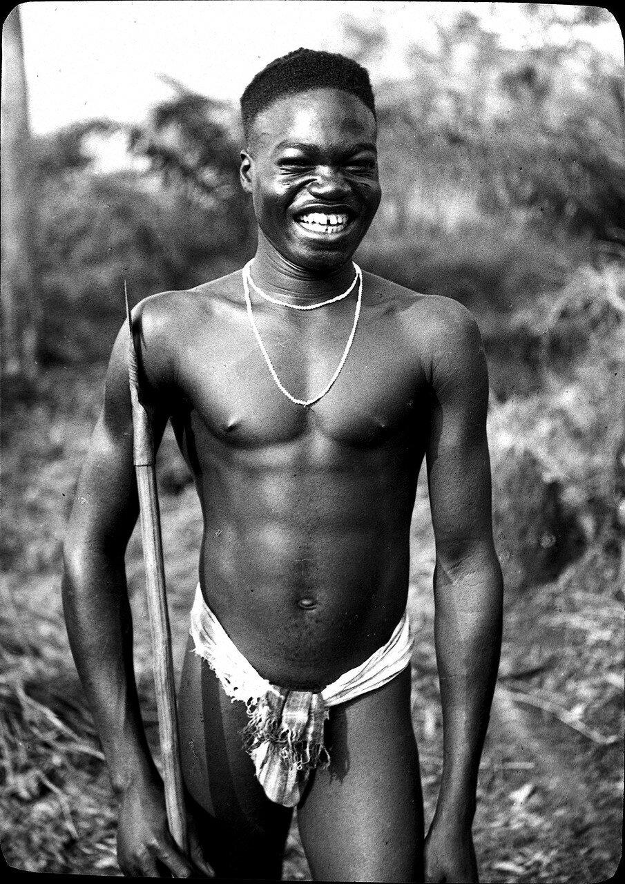 Берег Слоновой Кости. Ассинзе. Мужчина народности бауле