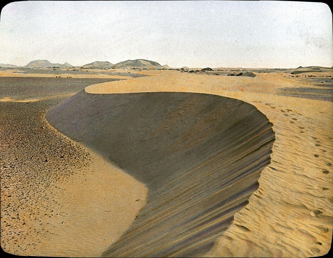 Мали. Пустыня к северо-востоку от Кидаль