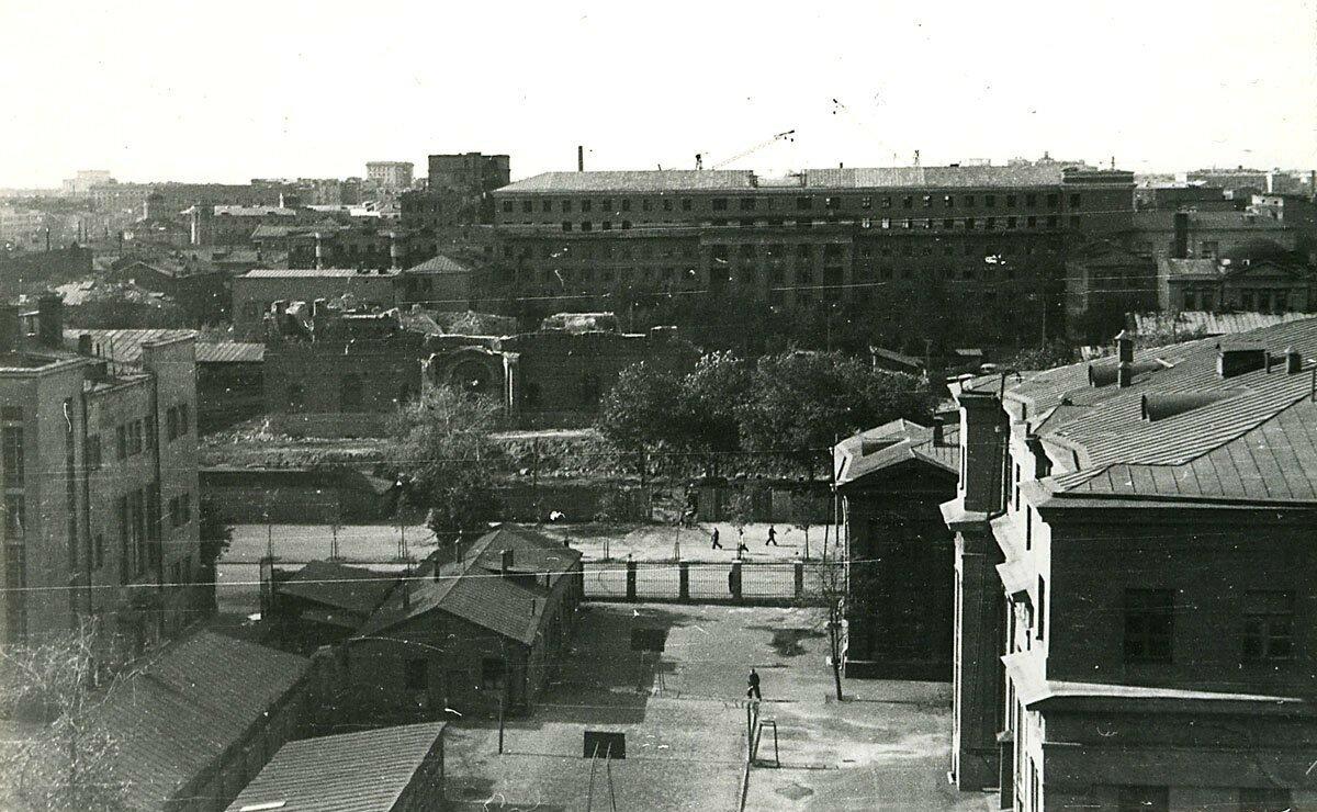 1957. Разрушение собора Александра Невского на Миусской площади