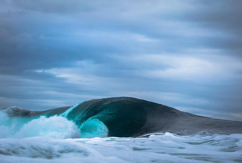 15. Приливы — это тоже волны океана. Они вызваны гравитацией Луны и Солнца. Вместе им удается с