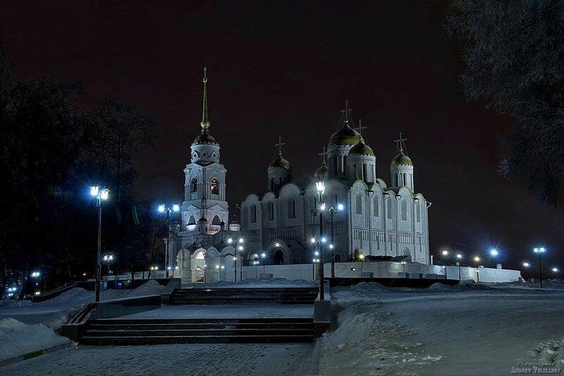 Владимирский собор в честь Успения Пресвятой Богородицы.