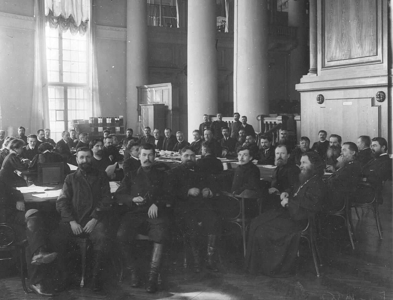Вид части зала во время заседания аграрной комиссии Третьей Государственной думы во главе с М.В.Родзянко