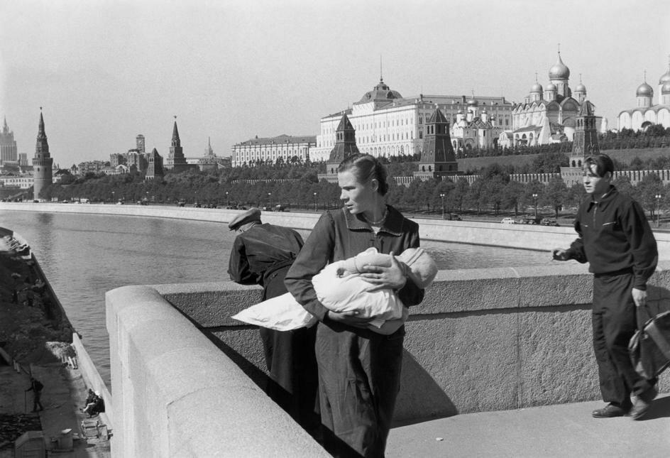1954. Москва. Московский Кремль и Москва-река