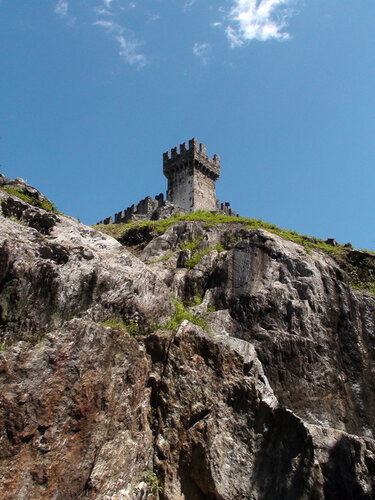 Замок Сассо Корбаро