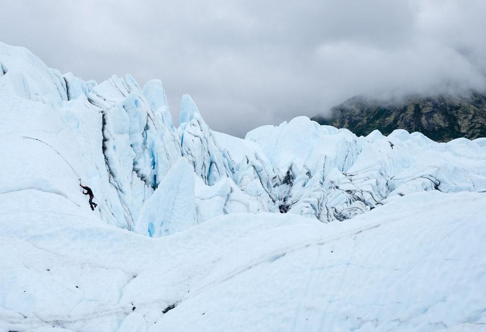 12. Сложные текстуры ледяного поля Хардинг. (Фото Mark Meyer):