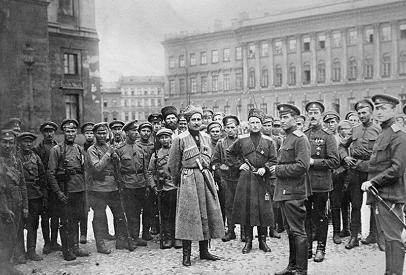 Войска, вызванные Керенским с фронта для подавления восстания.jpg