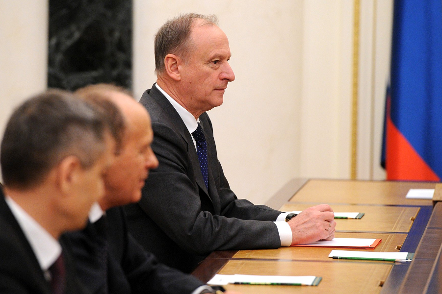 Совещание Путина с постоянными членами СБ РФ 6.11.15.png