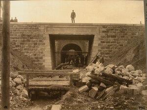 Рабочие во время строительства бетонного моста на станции. Гродненская губ. Белосток г.