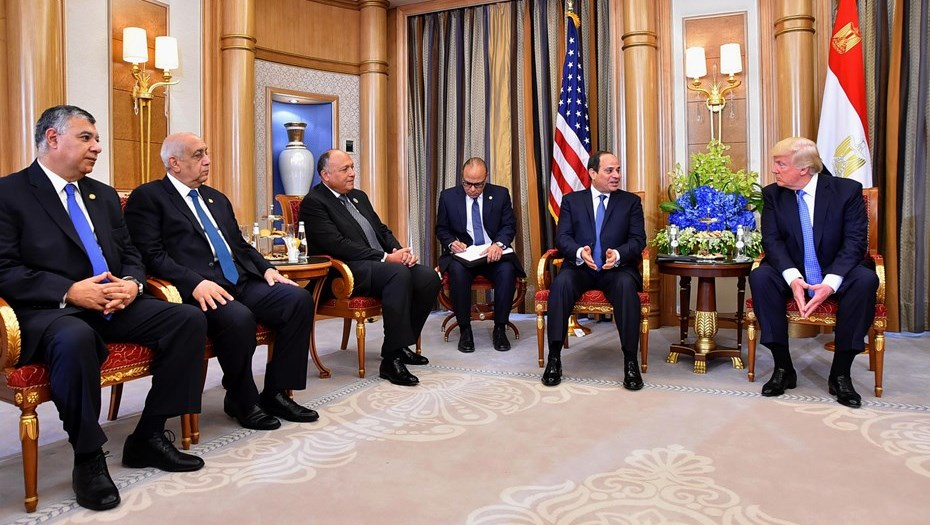 Трамп призовёт мусульманские страны разделить сСША бремя борьбы стерроризмом